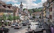 Verkehr im Städtchen Beromünster: Die geplanten Umfahrungen können als Kantonsstrassen geführt werden. (Bild: Pius Amrein (28. Juni 2017))