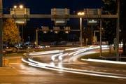 Verkehr auf dem Seetalplatz in Emmenbrücke. (Bild Roger Grütter/Neue LZ)