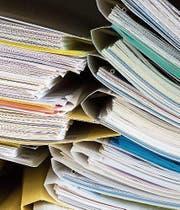 Nicht zu hacken: Informationen auf Papier. (Bild: KEY)