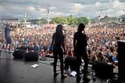 Grossandrang auf der Bühne am Schweizerhofquai beim Luzerner Fest 2015. (Bild Pius Amrein)