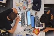 Zuerich, 16.9.2016, HackZurich - rund 500 Hacker kreieren in Teams in einem 40-stuendigen non-stop Hacking Marathon Applikationen (Apps) fuer Web, Mobile oder Computer. Der Wettbewerb findet als teil des Digital Festival statt. (Melanie Duchene/EQ Images) (KEYSTONE/EQ IMAGES/Melanie Duchene) (Bild: MELANIE DUCHENE (EQ IMAGES))