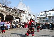 Insgesamt waren 88 Kinder auf dem Hauptplatz in Schwyz am Preisnüsseln dabei. (Bild Laura Vercellone/Neue SZ)