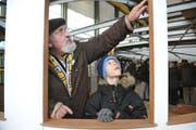 Jung und Alt an der öffentlichen Besichtigung des Dampfschiffs Unterwalden. (Bild Corinne Glanzmann/Neue LZ)