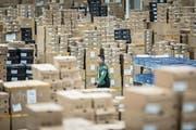 Blick in ein chinesisches Logistikzentrum, das zum Onlineriesen Alibaba gehört. (Bild: Qilai Shen/Bloomberg (Schanghai, 6. November 2017))