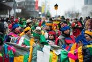 Der Fasnachtsumzug Hünenberg bot noch einmal viele bunte Kostüme und ausgelassene Konfetti-Schlachten. (Bild: Roman Hodel)
