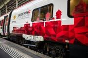 Ein ETR 610 Zug im Drei Länder Design fährt am Freitag, 17. November in Luzern ein. Ab dem Dezember 2017 fährt täglich ein Zug von Frankfurt via Luzern nach Milano. (Bild: Philipp Schmidli (Luzern, 17. November 2017))