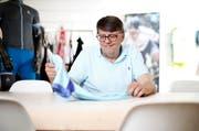 Der Franzose Christophe Bézu leitet seit einem Jahr den Zuger Sportartikelhersteller Odlo, hier beim Treffen am Hauptsitz in Hünenberg seit einem Jahr. (Bild Stefan Kaiser)