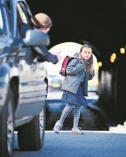 Meldungen über Männer, die Kinder ansprechen, machen im Kanton Luzern die Runde. (Bild: Getty)
