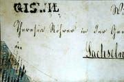 Eine halbe 10-Rappen-Marke (links unten) entspricht einer 5-Rappen-Marke: So die Logik von 1854. (Bild: PD)