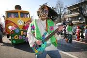 Die Bueri-Chessler mit dem Motto «Woodstock – Flower Power». (Bild Manuela Jans/Neue LZ)