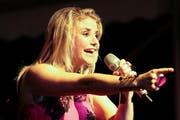 Die Sängerin Beatrice Egli hatte 2013 allen Grund zum Lachen. (Bild: Roger Zbinden / Neue LZ)