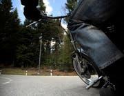 Zwei Motorräder waren auf der Passstrasse mit über 140 km/h unterwegs. (Symbolbild OZ)