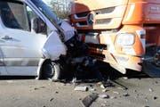 Kollision zwischen Liefer- und Lastwagen auf der Hauptstrasse zwischen Neudorf und Beromünster. (Bild: PD)