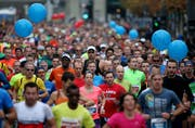 9548 Läuferinnen und Läufer waren am 9. Swiss City Marathon Lucerne auf Luzerns Strassen unterwegs. (Bild: Philipp Schmidli)