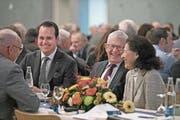 Ständerat Damian Müller (links) konnte alt Bundesrat Kaspar Villiger zum Gastauftritt motivieren. (Bild: Corinne Glanzmann (Sempach, 8. Dezember 2017))