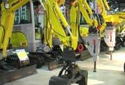 Ausgestellte Bagger an der Baumaschinen-Messe.(Screenshot Martin Erdmann/Zisch)