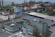 Blick auf die Kantonale Verwaltung, das Kantonsgericht (links) und das Areal der ZVB ( rechts). (Bild: Stefan Kaiser / Neue ZZ)