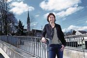 Die neue Präsidentin von Cham Tourismus, Sara Hübscher, im Hirsgarten. (Bild: Werner Schelbert (16. März 2018))