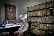 Hier kann er seiner Kreativität freien Lauf lassen: Al Imfeld im Arbeitszimmer seiner Zürcher Wohnung. (Bild Pius Amrein)
