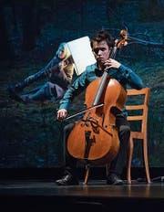 Film und Livemusik gleichzeitig: der Cellist Jay Campbell. (Bild: Priska Ketterer/LF)