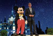 Disney-CEO Bob Iger bei der Eröffnung des ersten Disney-Freizeitparks in China, des Shanghai Disney Resort. (Bild: Getty (Schanghai, 15. Juli 2015))