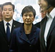 Verhaftete Park Chung Hye. (Bild: Ahn Young-joon/AP (Seoul, 30. März 2017))