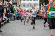 Eileen Bammert aus Wolhusen (o.) läuft, Melanie Berner und Ferdi Plüss beim Tanzen – und Familie Heini gut «behutet». (Bilder Domink Wunderli)