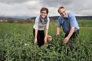 Brigitte und Thomas Grüter freuen sich: Seit dem 1. Januar gehören sie zu den Bio- Landwirten. (Bild Nadia Schärli)