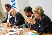 Engagierte Diskussion: Nationalrätin Corina Eichenberger, Dr. Dieter Wicki (Moderation), Nationalrat Roland Fischer und Nationalrat Geri Müller (von rechts). (Bild: PD)