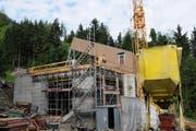 Die Bauarbeiten für die neue Talstation laufen auf Hochtouren. (Bild: Martin Uebelhart/Neue NZ)