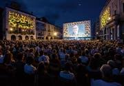 Die Piazza Grande in Locarno wird während des Filmfestivals zum Kinosaal. Ab dem 2. August heisst es: Film ab. (Bild: Alexandra Wey/Keystone (2. August 2016))