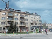 Die Narben des Bosnienkriegs sind immer noch da: von Heckenschützen beschossenes Haus in der Nähe der Vrbanjia-Brücke. (Bild: Michael Hug)
