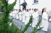 In Steinhausen durften gestern 37 Kinder zum ersten Mal zur Kommunion gehen. (Bild: Werner Schelbert (Steinhausen, 23. April 2017))