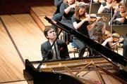 Der Genfer Pianist Louis Schwizgebel-Wang hatte Spass mit Mozart, während das LSO danach viel mehr bei Beethoven überzeugte. (Bild: Eveline Beerkircher)