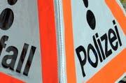 Ein Pannendreieck der Polizei. (Symbolbild) (Bild: Archiv LZ)