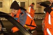 Szene von einer Polizeikontrolle. (Archivbild Eveline Bachmann/Neue LZ)