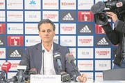 FCL-Präsident Philipp Studhalter verkündet die Trennung von CEO Marcel Kälin. (Bild: Urs Flüeler/Keystone (Luzern, 28. März 2018))