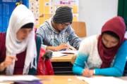 Integrationsklassen sollen Kinder und Jugendliche auf den Besuch der Regelschule vorbereiten. Unser Bild stammt aus der bestehenden Integrationsklasse im Luzerner Schulhaus Schädrüti. (Bild Nadia Schärli/LZ)