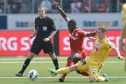 Der FC Luzern und der FC Thun trennten sich in einer hart umkämpften Partie 1:1-Unentschieden. (Bild: Peter Schneider / Keystone)