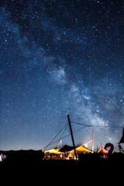 Sternenhimmel über unseren Zelten. Pfadi/Wölfli Baar (Bild: M. Lipp v/o Fuchs)