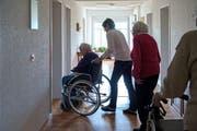 Das neue Betreuungs- und Pflegegesetz im Kanton Luzern ersetzt das bisherige Pflegefinanzierungsgesetz. (Symbolbild Nadia Schärli)