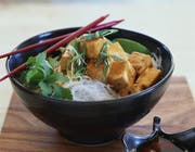 Ein Nudeln-Reis-Salat mit Tofu. (Bild: PD)
