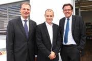 Speranza-Stiftungsratspräsident Mark Ineichen, umrahmt vom Luzerner Bildungsdirektor Reto Wyss (links) und vom FDP-Nationalrat Peter Schilliger. (Bild: pd)