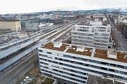 Verdichtetes Bauen wird auch rund um den Bahnhof Zug ein Thema. (Bild: Werner Schelbert (November 2017))