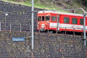 Ein Zug nach Andermatt verlässt Göschenen. (Symbolbild) (Bild: Keystone/Urs Flüeler)