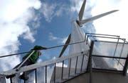 Das Windrad auf dem Gütsch ob Andermatt. (Archivbild Adrian Staehli/Neue LZ)