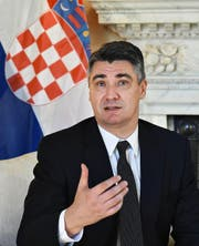 Bleibt er an der Spitze? Der kroatische Premier Zoran Milanovic (49). (Bild: Epa/Andy Rain)