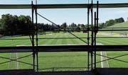 Die Fertigstellung der neuen Fussballanlage ist für die zweite Oktoberhälfte vorgesehen. (Bild: Stefan Kaiser (Walchwil, 22. August 2017))