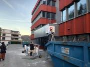 Das Gebäude am Obermattweg 9 wird derzeit zum Studentenwohnheim umgebaut. (Bild: PD)