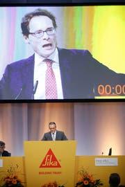 Roger Köppel wollte am Dienstag an der GV noch länger reden, doch die Zeit war abgelaufen. Im Bild zusammen mit VR-Präsident Paul Hälg. (Bild Stefan Kaiser)